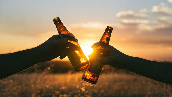 Alcohol-bier-proosten